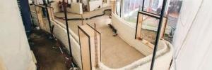 A primeira família a se mudar para uma casa construída com uma impressora 3D (Foto: BBC)