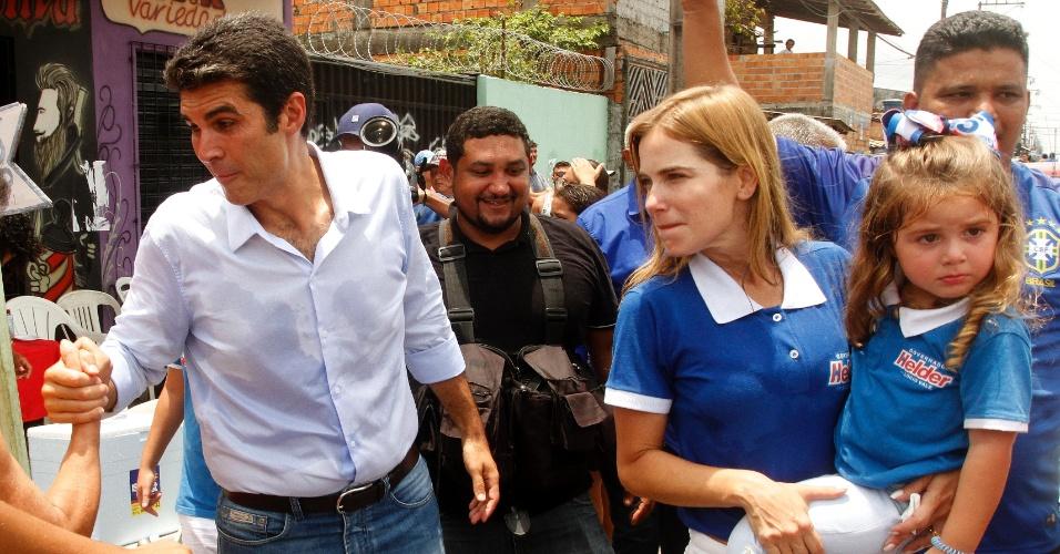 Candidato ao governo do Pará, Helder Barbalho vota na escola estadual Dom Alberto Galdêncio na região metropolitana de Belém