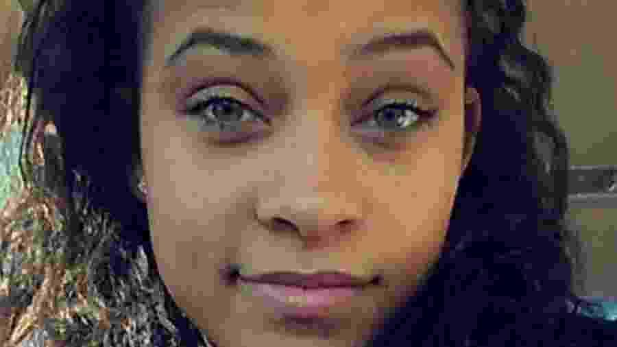 Chastity Patterson, que perdeu o pai há quatro anos, recebeu uma emocionante surpresa em seu celular - Reprodução/Facebook