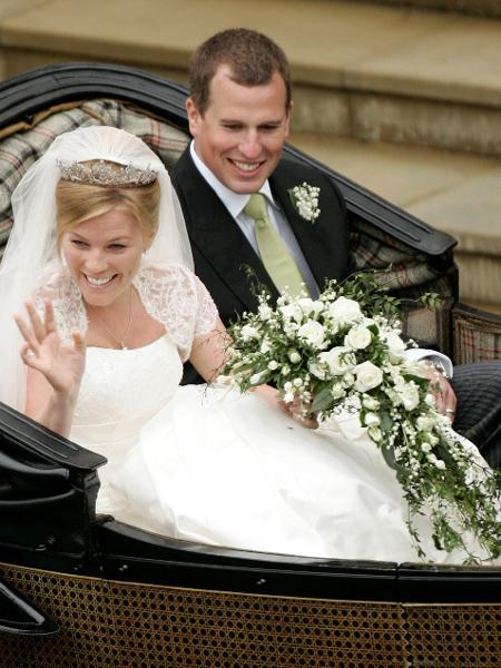 Foto de arquivo do casamento do neto da rainha Elizabeth Peter Phillips com Autumn Kelly no sul da Inglaterra -