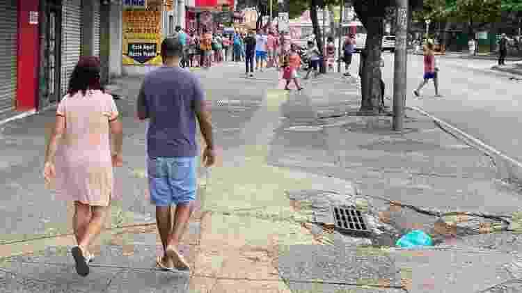 Comércio fechou, mas ruas de Campo Grande estiveram cheias nesta terça-feira (31) - Caio Blois/UOL
