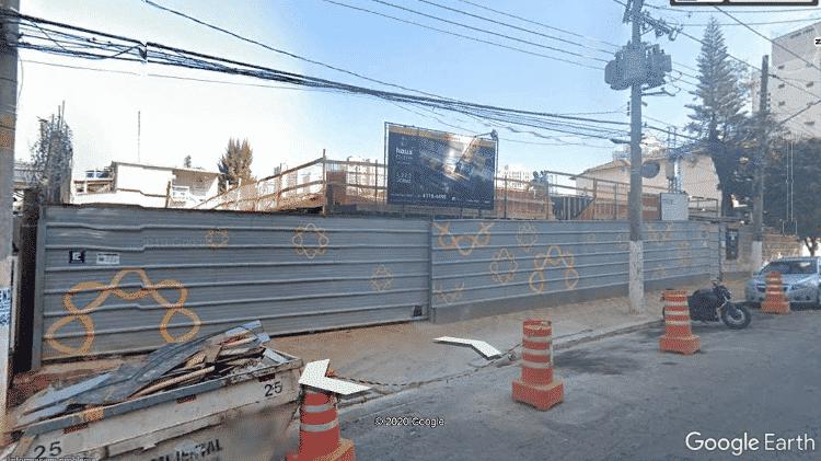 Imagem retirada do Google Street View mostra obras no endereço - Reprodução/Google Street View - Reprodução/Google Street View