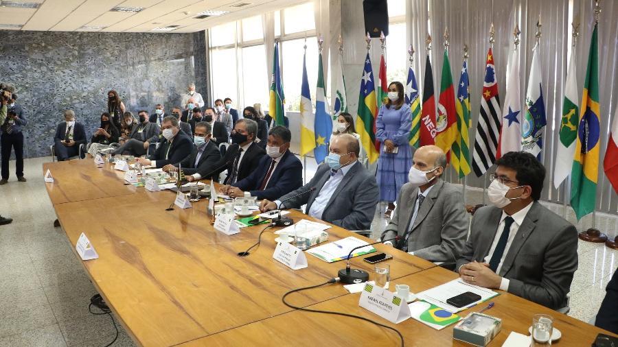 Governadores participaram de fórum mais cedo e anunciaram intenção de reunir Bolsonaro, Lira, Pacheco e Fux - Renato Alves/Agência Brasília
