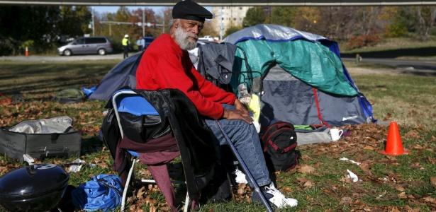 Alguns sem-teto recorrem aos apps para encontrar asilo ou vender objetos de segunda mão