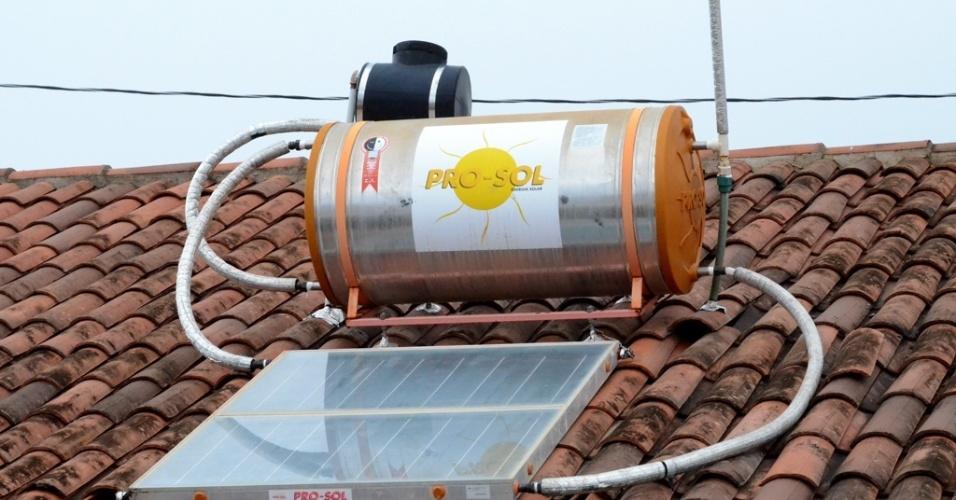 Diferencial no conjunto Brivaldo Medeiros -- do programa Minha Casa, Minha Vida -- são as placas de energia solar, mas ninguém até agora usufruiu dessa economia