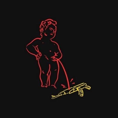 22.mar.2016 - Outro símbolo belga bastante lembrado nos cartuns em solidariedade às vítimas dos atentados terroristas em Bruxelas foi a estátua Manneken Pis (menino a urinar). A fonte de bronze é um dos símbolos da capital belga
