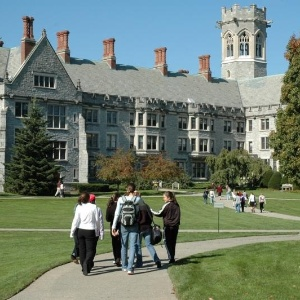 Campus da Emma Willard School, onde Kat Sullivan diz ter sido estuprada em 1998  - Reprodução
