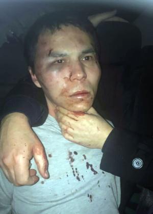 Foto divulgada pela polícia turca e distribuída pela agência Dogan mostra o principal suspeito pelo ataque à boate Reina, Abdulkadir Masharipov, após sua captura em Istambul
