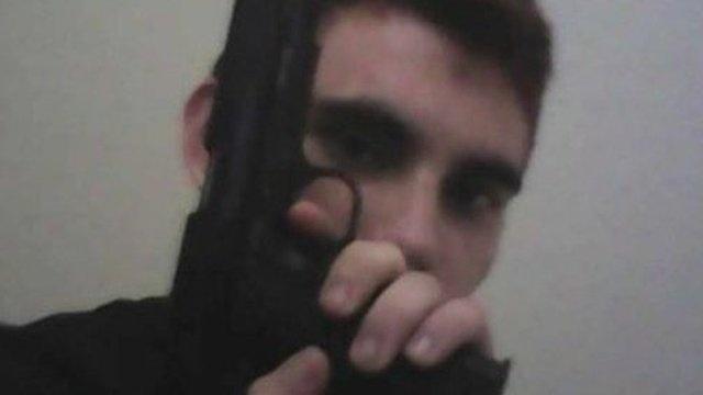 Nikolas Cruz, que matou 17 pessoas em uma escola na Flórida, era conhecido por sua obsessão por armas