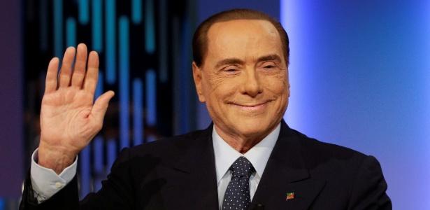 """Berlusconi foi condenado a um ano de serviços sociais por fraude fiscal e recentemente """"reabilitado"""" pela Justiça"""