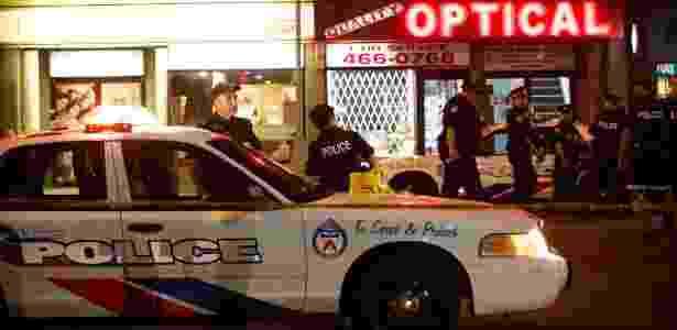 23.jul.2018 - Atentado em Toronto deixa um morto e 13 pessoas feridas; atirador morreu - AFP PHOTO / Cole BURSTON