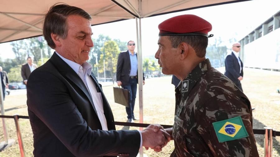 O presidente Jair Bolsonaro diz que militares são o último obstáculo contra a implantação do socialismo - Marcos Correa - 27.jul.2019 /PR