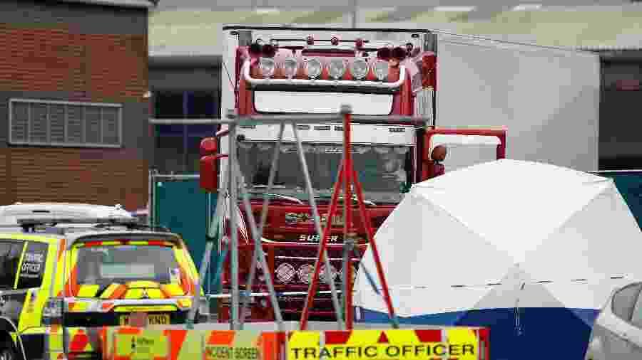Caminhão com 39 corpos é encontrado no Reino Unido - Peter Nicholls/Reuters