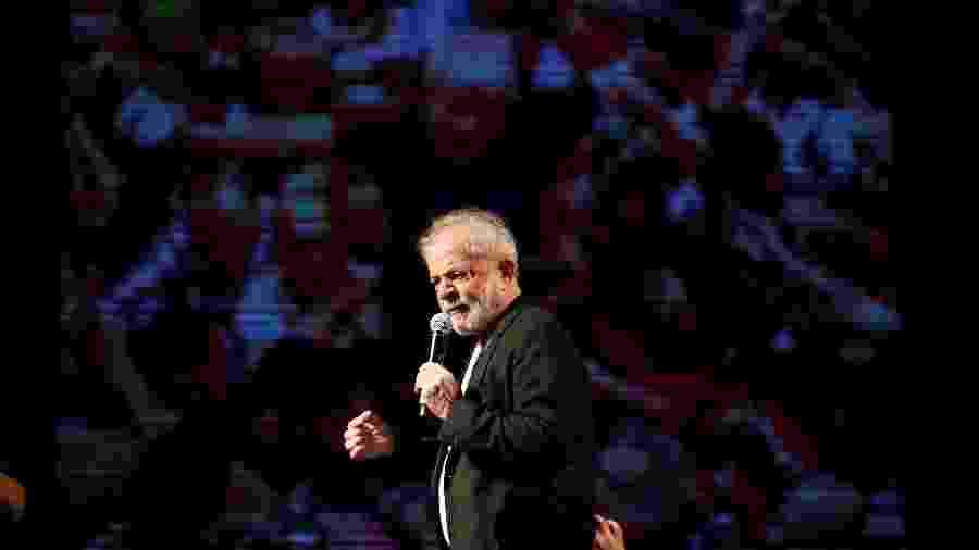 17.nov.2019 - Ex-presidente Luiz Inácio Lula da Silva discursa no Festival Lula Livre, no Recife - Adriano Machado/Reuters