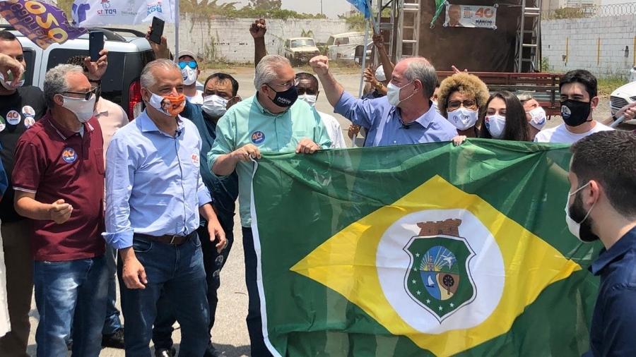 """França fez diversos afagos à chapa com o PDT, do candidato a vice Antonio Neto, e chamou Ciro de """"liderança nacional"""" - Lucas Borges Teixeira/UOL"""