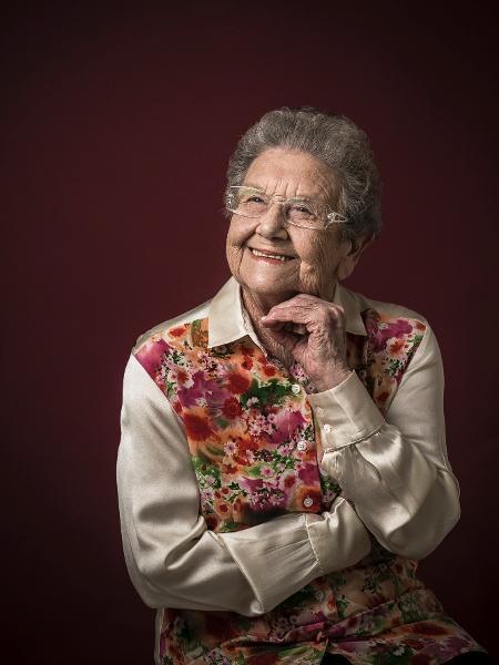 Palmirinha Onofre tem 89 anos e tomou a segunda dose da vacina contra a covid-19 - Keiny Andrade/Folhapress