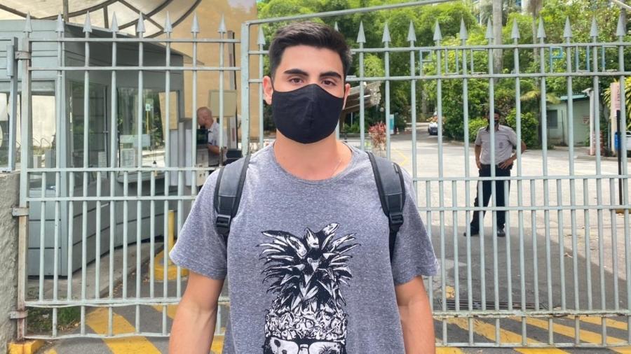 O estudante Gustavo Henrique foi eliminado no segundo dia de prova do Enem por não portar um documento de identidade original - Tatiana Campbell/UOL