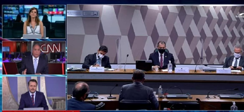 """O senador Fernando Bezerra (janela, no centro) discutiu com a apresentadora Monalisa Perrone por """"colinha"""" enviada por ministro - Reprodução/CNN Brasil"""