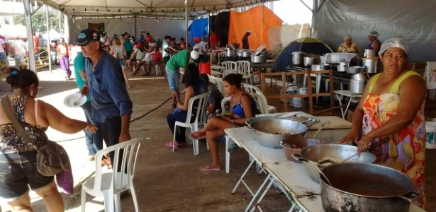Acampamento do MST em Brasília durante preparativos para protestos no domingo