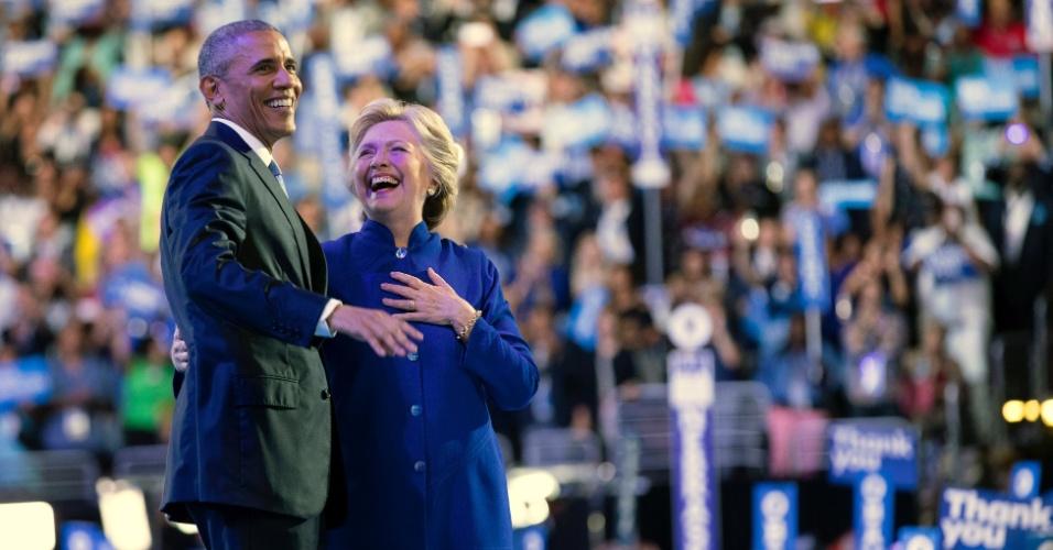 27.jul.2016 - Barack Obama e Hillary Clinton na convenção do Partido Democrata