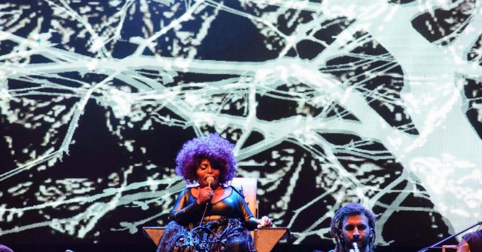 1.jan.2017 - Elza Soares se apresenta no show da virada do ano na Avenida Paulista, em São Paulo