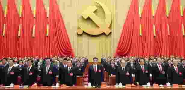 O líder chinês Xi Jinping (centro) durante o encerramento do Congresso Nacional do Partido Comunista da China, em Pequim - Ju Peng/ Xinhua