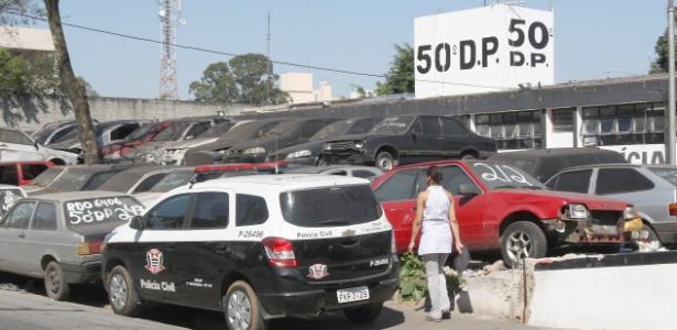 Padrasto foi levado por PMs para delegacia do Itaim Paulista, zona leste de SP - Luiz Carlos Murauskas/Folhapress