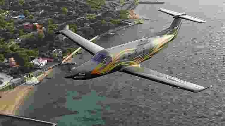 Pilatus PC-12 NGX é um turboélice monomotor capaz de voar a velocidade máxima de 537 km/h - Divulgação  - pilatus pc 12 ngx e um turboelice monomotor capaz de voar a velocidade maxima de 537 kmh 1574381376599 v2 750x421 - Avião a hélice é simples por fora, mas tem luxo de jato por até R$ 32 mi