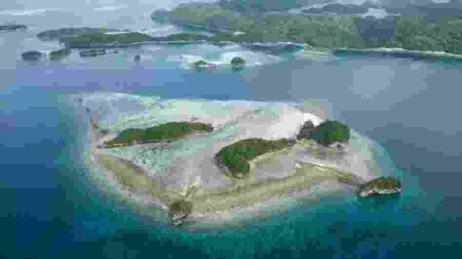 Arquipélago de Palau, no Oceano Pacífico, se tornou a primeira nação a banir filtros solares que contém substâncias como oxibenzona, que protege a pele contra raios ultravioletas - Benjamin Lowy/Getty Images/BBC
