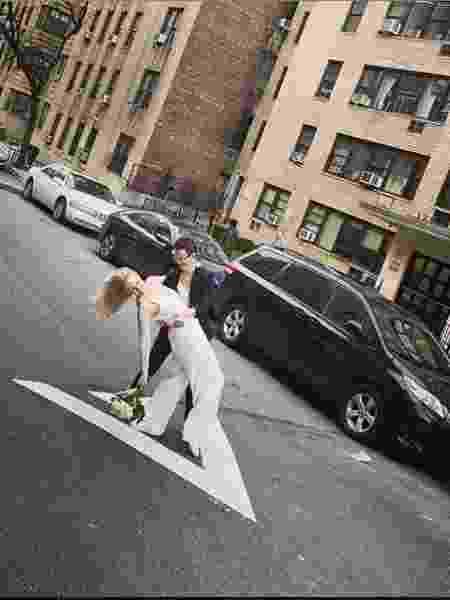 Reilly Jennings e Amanda Wheeler casaram-se no meio da rua em Nova York - Reprodução/Instagram