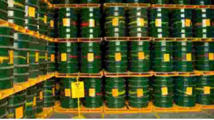 Tambores de aço com rejeitos de baixa e média atividade dos reatores de Angra - Eletrobras - Eletrobras