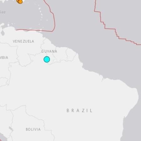 Em azul, o epicentro do terremoto sentido no Amazonas e em Roraima - USGS