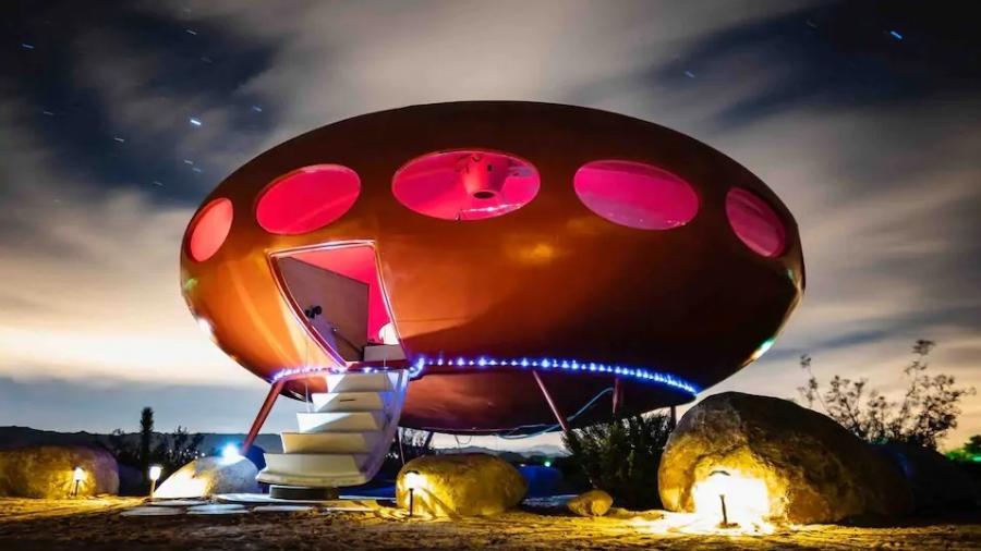 Casa OVNI fica no Parque Nacional Joshua Tree, nos Estados Unidos - Reprodução/Airbnb