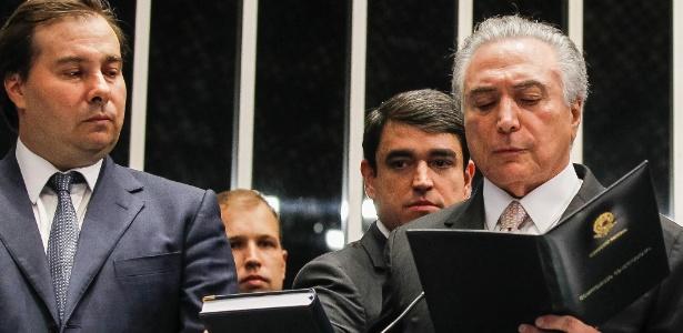 """Após posse, Temer reage a Dilma: """"golpista é você"""" - Beto Barata/PR"""
