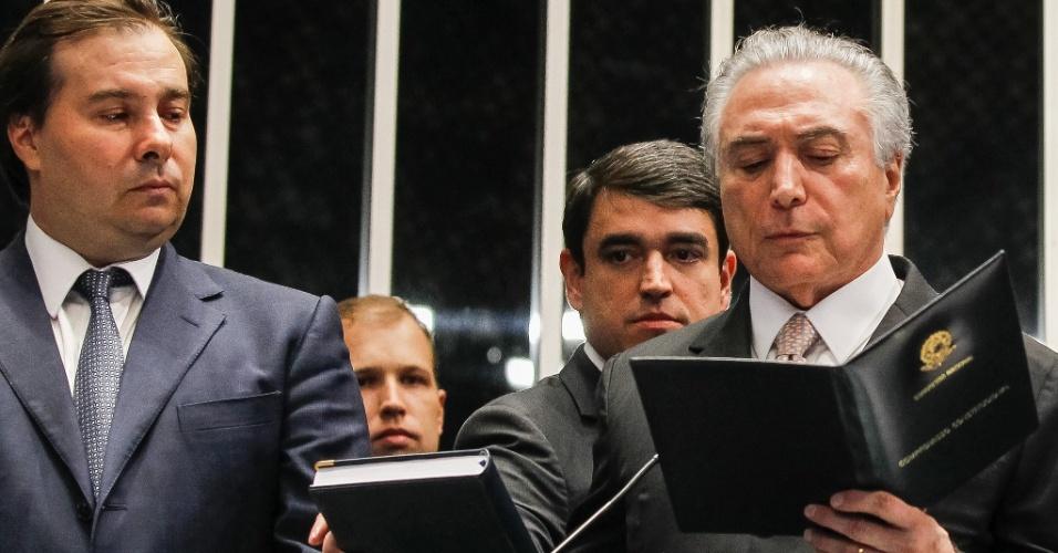 31.ago.2016 - Michel Temer faz juramento durante sua posse como presidente da República no Senado Federal, após afastamento definitivo de Dilma Rousseff