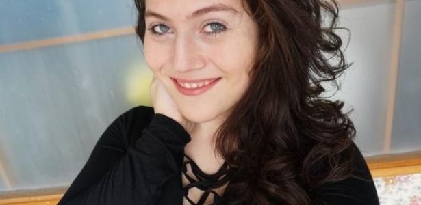 Amanda superou o preconceito e hoje faz sucesso no YouTube