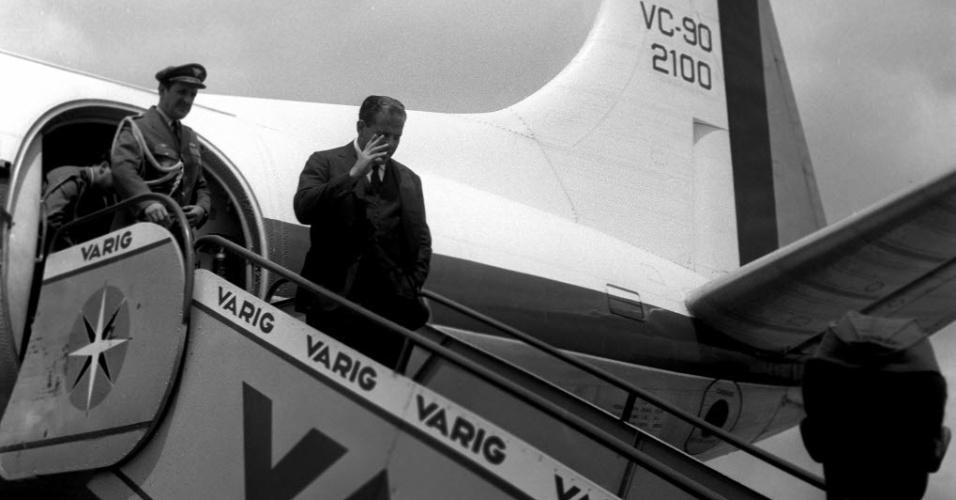Presidente João Goulart desembarca em São Paulo em 1963