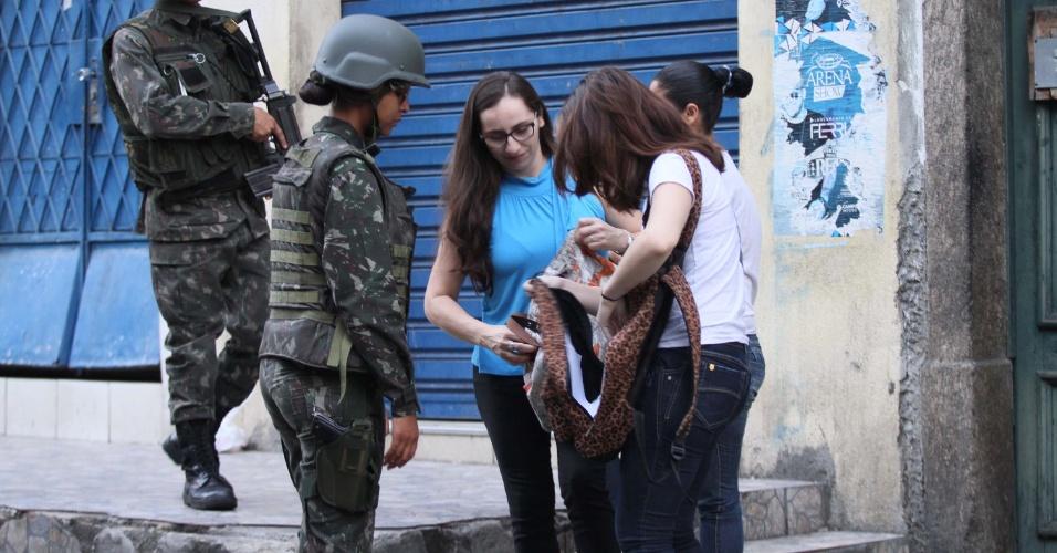 27.out.2017 - A Secretaria de Segurança do Estado do Rio de Janeiro realiza desde a madrugada desta sexta-feira (27) uma operação em quatro morros do Rio de Janeiro