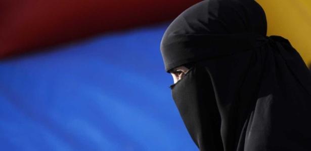 O niqab é um véu islâmico que só deixa visível a região dos olhos