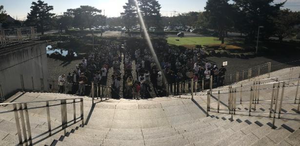 Brasileiros esperam para votar em Oizumi, uma das cidades com maior concentração de brasileiros no Japão
