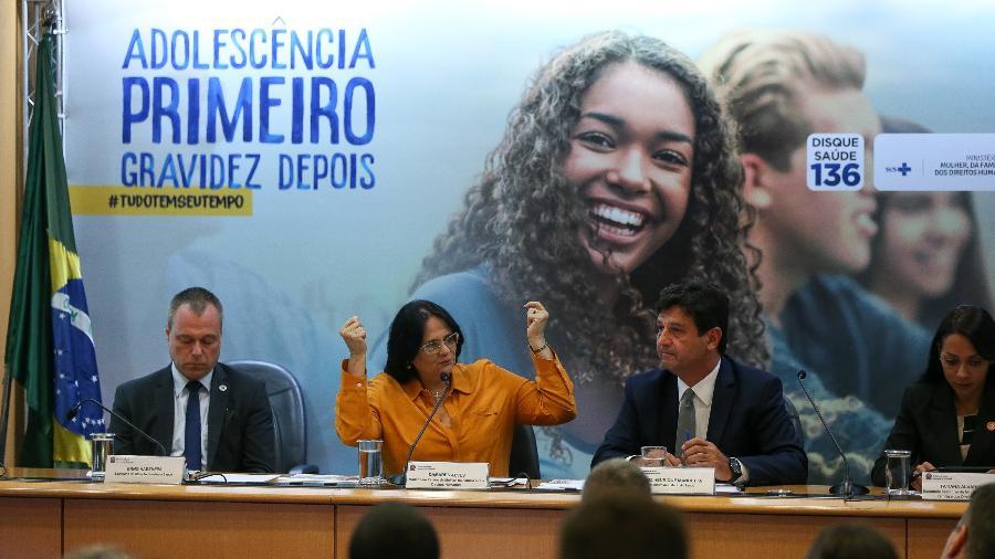 03.jan.2020 - Os ministros Henrique Mandetta (Saúde) e Damares Alves (Mulher, Família e Direitos Humanos) durante apresentação da Campanha de Prevenção à Gravidez na Adolescência - Pedro Ladeira/Folhapress