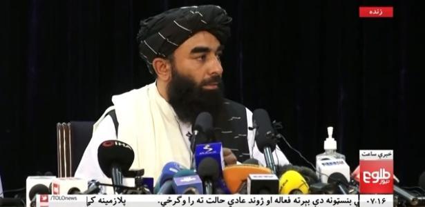 Fundamentalistas controlam Afeganistão | Taleban fala em 'orgulho' após tomada e diz que mulheres poderão trabalhar
