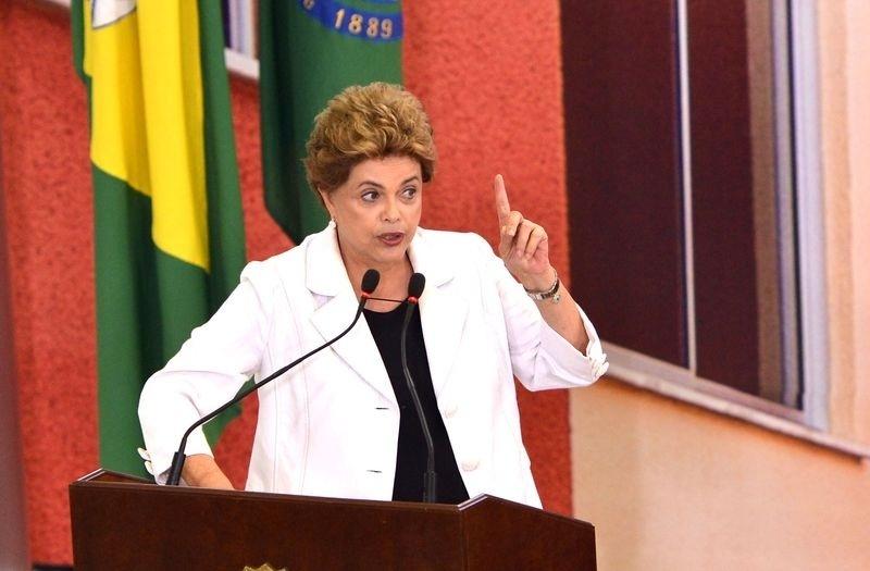 30.mar.2016 - A presidente Dilma Rousseff discursa durante cerimônia de apresentação da terceira etapa do programa Minha Casa, Minha Vida, em Brasília