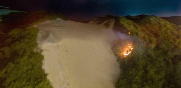 Criminosos atearam fogo no Morro do Careca, um dos cartões-postais de Natal