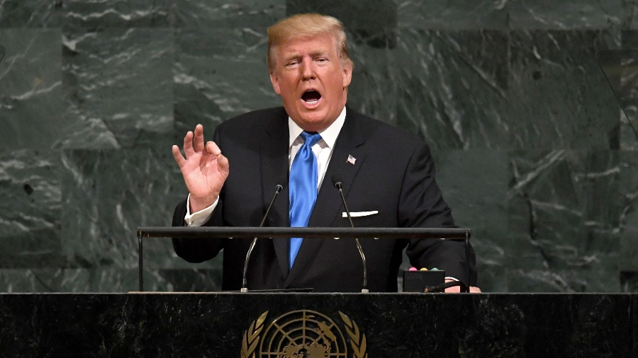 O presidente dos EUA, Donald Trump, não receberá o time da NBA em sua residência - Timothy Clary/AFP