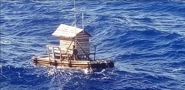 Embarcação que serve de armadilha para peixes se soltou a deixou jovem à deriva no Pacífico - Reprodução Twitter do Consulado da Indonésia em Osaka