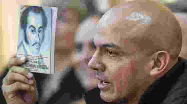 O ex-militar Clíver Alcalá era leal a Hugo Chávez, mas criticou Nicolás Maduro - AFP/BBC - AFP/BBC