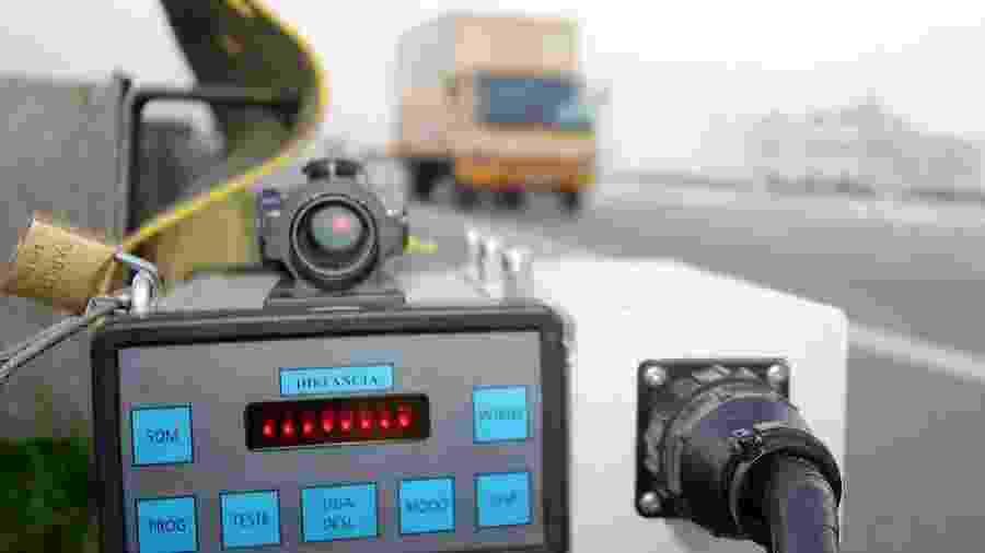 Polícia Rodoviária Federal (PRF) começou a recolher radares estáticos, móveis e portáteis nas estradas federais do País  - Luciano Netto/Folha Imagem
