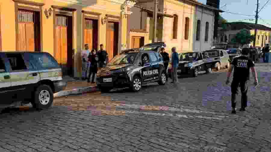 A Polícia Civil de Minas Gerais chegou a fazer o cerco à casa onde o criminoso se encontrava - Divulgação/PCMG