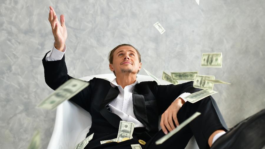 25 homens mais ricos do mundo registraram um aumento de R$ 1,3 trilhão em seus patrimônios, segundo a Oxfam - Siriwat Nakha/EyeEm/Getty Images